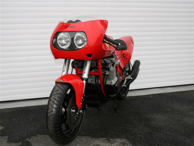 World S Only Ferrari Motorbike Sold For 85k In Auction Carbuzz